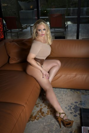 Ulla live escorts