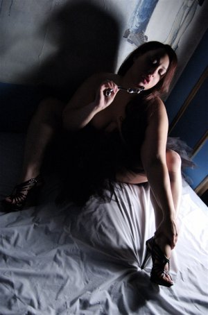 Adlyne escort in Hanford & massage parlor