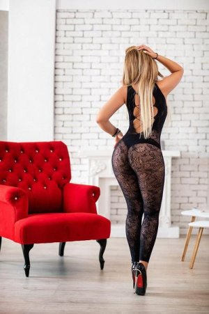 Lucylle happy ending massage and escort girl